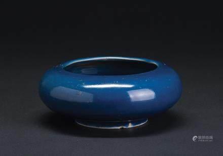 霁蓝釉水呈