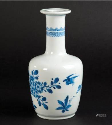 青花花鸟纹棒槌瓶