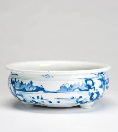 青花山水纹三足香炉(有修)