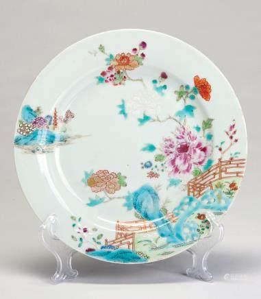 粉彩描金花卉纹盘