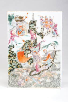 粉彩水漫金山图瓷板