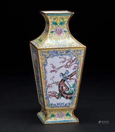 铜雕画珐琅四方瓶