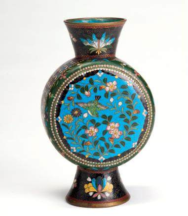 铜胎掐丝珐琅花鸟纹扁瓶