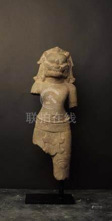 Narasimha deboutMi-homme, mi - lionVishnou prit cette forme pour vaincre le démon Hiranyakas