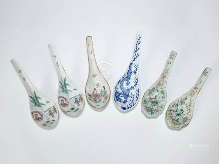 同治 粉彩人物湯匙一對、十九世紀 粉彩人物湯匙、粉彩折枝花卉紋湯匙一對及青花龍紋湯匙