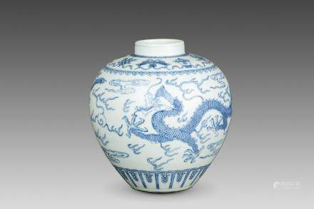 A BLUE AND WHITE DRAGON JAR, QING DYNASTY AND DAOGUANG PERIOD