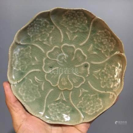 A YAOZHOU KILN BLUISH-GREEN FLORAL PLATE