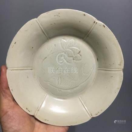 A DING KILN WHITE GLAZED PLATE