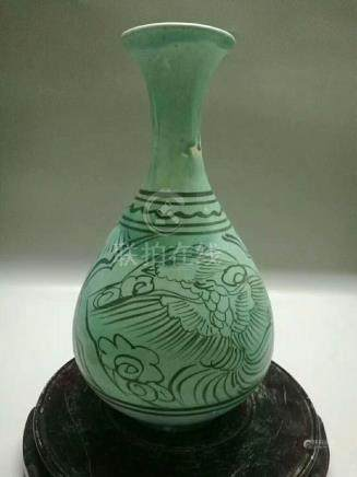 A TURQUOISE-GLAZED FLORAL&BIRD PEAR SHAPED VASE