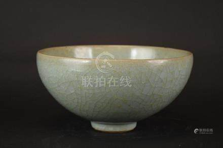 Chinese Celadon Glaze Crackle Glaze Porcelain Bowl