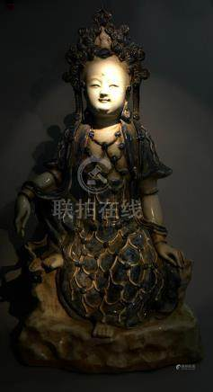 Antique Porcelian Guanyin Statue