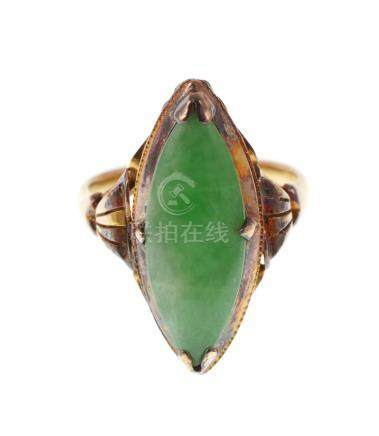 18k Gold Jade Ring, sz 6-1/2