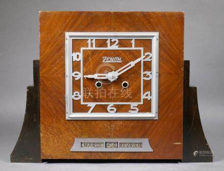 Zenith Art Deco Coin Operated Calendar Clock