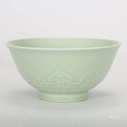 CHINESE CELADON GLAZED PORCELAIN BOWL