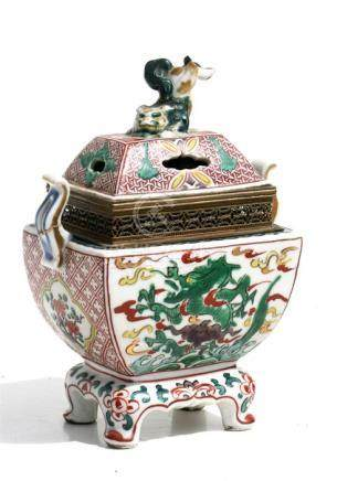 A Chinese censer decorated with dragons and having a fo dog finial, converted to a table lamp, 18cms