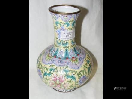 Chinese enamel baluster vase - 21cm tall