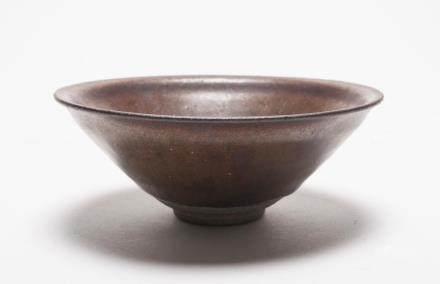 A Chinese Jian Porcelain Bowl宋代-建窯點斑盞