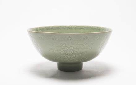 A Chinese Guan-Type Longquan Porcelain Bowl明早期-龍泉官窯(供碗)