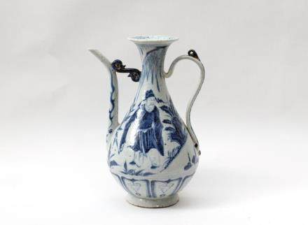 A Chinese Blue and White Porcelain Ewer元代-青花高仕人物執壺