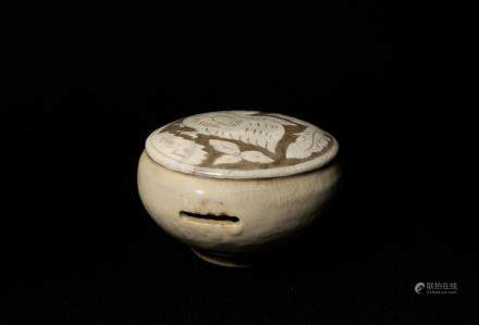 A Chinese Cizhou Porcelain Piggy Bank宋代-磁州刻鳥紋錢筒