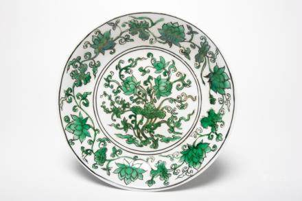A Chinese Green-Enameled Blue And White Porcelain Dish清代-康熙仿
