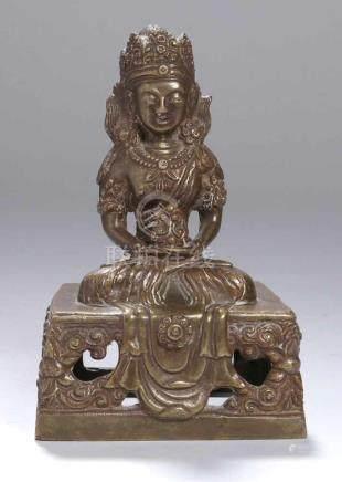 Bronze-Plastik, \Amitayus\, China, Qianglong-Periode 18. Jh., auf offen gearbeitetem Sockel mit