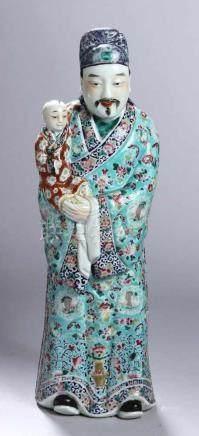 Porzellan-Figur, \Hofbeamter mit Kind\, China, wohl 19. Jh., vollplastische, große, stehende