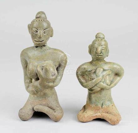 2 Keramikfiguren mit Seladonglasur, Thailand, Sukothai, Lanna, wohl 14.-15. Jh., Votivfiguren in