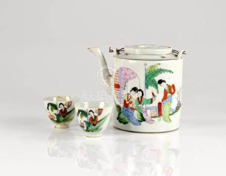 CHINESE REPUBLICAN PORCELAIN TEA SETS IN BASKET