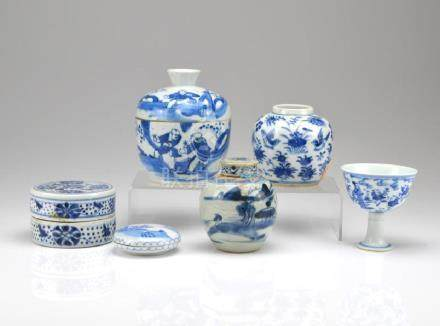 SIX CHINESE BLUE & WHITE PORCELAIN WARES