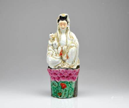 CHINESE REPUBLICAN FAMILLE ROSE PORCELAIN GUANYIN