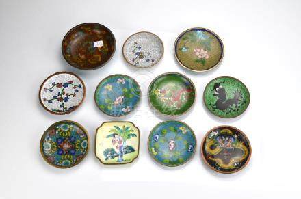 11 CHINESE CLOISONNE AND ENAMEL DISHES