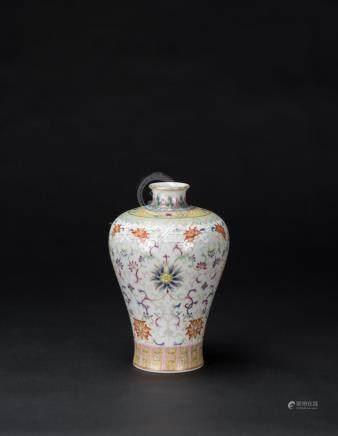 A Famille-Glazed Flowal Scroll Vase'Da Qing Qianlong Nian Zh