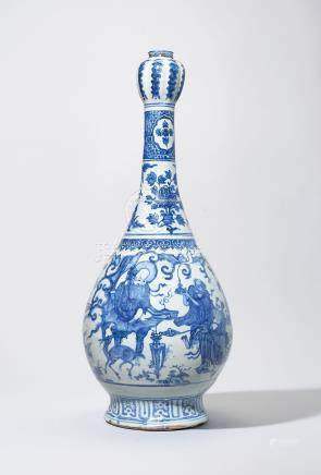 A LARGE AND RARE BLUE AND WHITE 'IMMORTALS' GARLIC-MOUTH VASE
