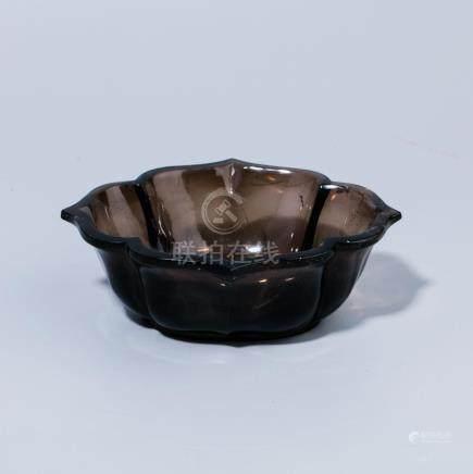 A Chinese crystal tea brush wash