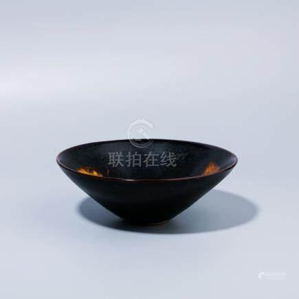 A Chinese Jizhou kiln leaf bowl