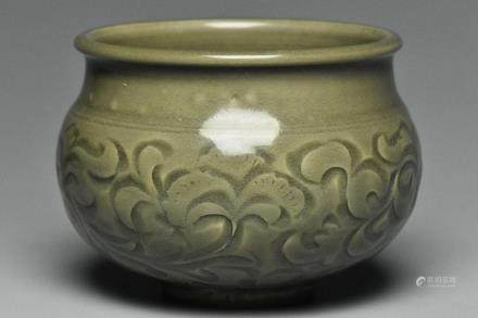 A SONG DYNASTY YAOZHOU CARVED JAR