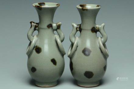 A PAIR OF YUAN DYNASTY LONGQUAN SPOTTED VASES