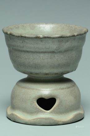 A RU GUANYAO INCENSE BURNER