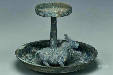 A LARGE WARRING STATES PERIOD BRONZE LAMP