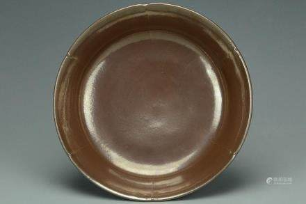 A SONG DYNASTY CIZHOU REDDISH-BROWN GLAZED DISH