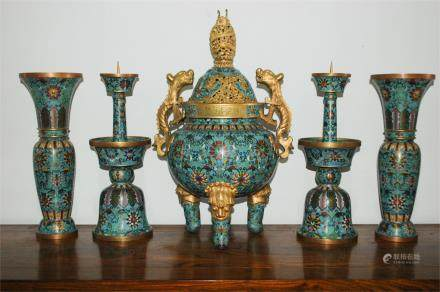 A SET OF CHINESE CLOISONNE ENAMEL PIECES
