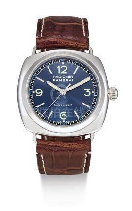 PAM00080型號「RADIOMIR INDEPENDENT」限量版白金腕錶備跳秒裝置,編號D153/160,年份約2001。