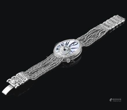 8918型號「REINE DE NAPLES」白金鑲鑽石鍊帶腕錶備珠母貝錶盤,機芯編號0028986,錶殼編號300 Z,年份約2006。