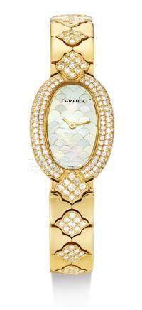 1960型號「BAIGNOIRE」黃金鑲鑽石鍊帶腕錶備珠母貝錶盤,錶殼編號GC14760,年份約2000。