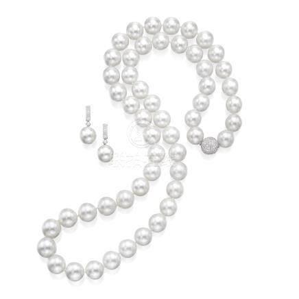 養殖珍珠配鑽石項鏈及吊耳環一對