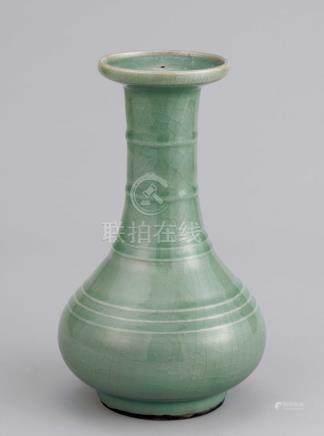 明 龙泉窑青磁荀式瓶