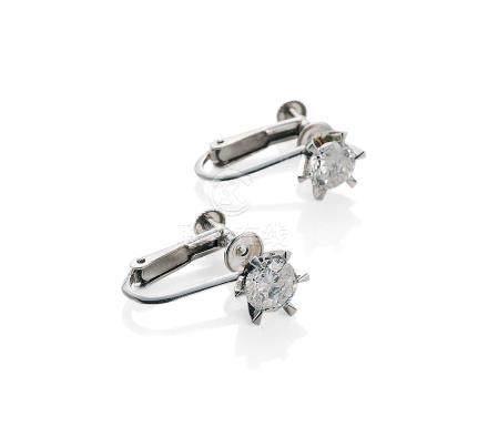 天然钻石耳环