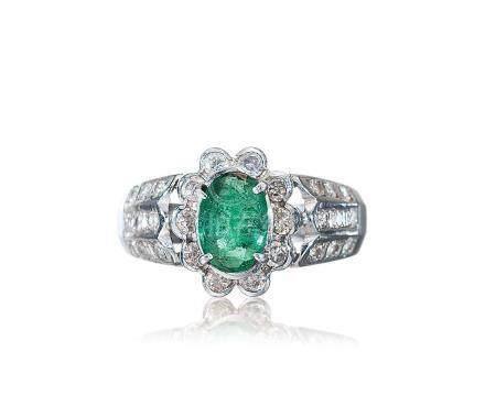 天然绿宝石钻戒
