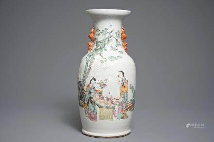 A Chinese qianjiang cai vase with figures in a garden, 19/20th C.